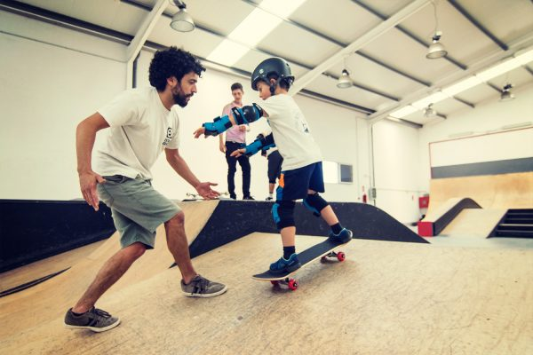 Clases Skate Extreme Center Lanzarote. Clases de Skate para todos los niveles y todas la edades. Aprende a patinar con nosotros